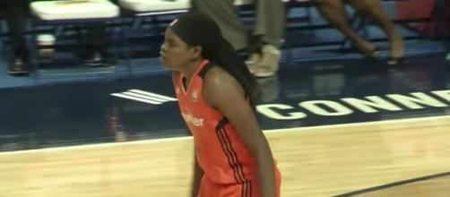 Jonquel Jones helped lead Connecticut to its fifth-straight win with a double-double on Wednesday. [Image via WNBA/YouTube]