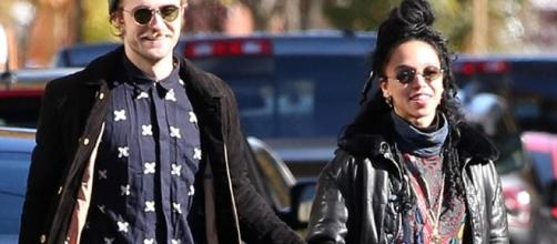 Robert Pattinson is reportedly cheating on FKA Twigs with Katy Perry. Photo by Paparazzi/YouTube Screenshot