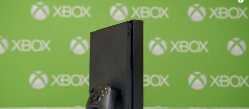 Xbox One X - YouTube/Austin Evans Channel