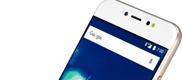 Lo smartphone GM 6 (foto presa da gizblog.it)