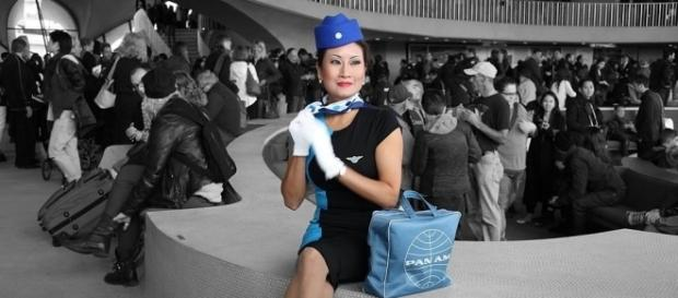 Pan Am stewardess model in the TWA Flight Center at JFK airport | Rich Gallo via Wikimedia Commons