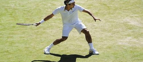 Federer during 2009 Wimbledon/ Photo: Justin Smith via Flickr CC BY-SA 2.0
