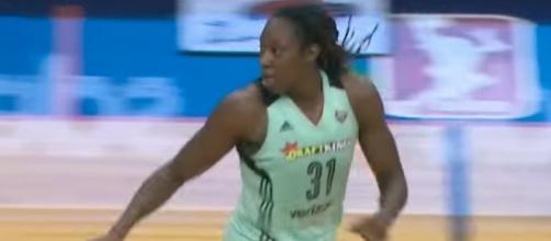 Tina Charles and the New York Liberty host the Chicago Sky in Friday night's WNBA action. [Image via WNBA/YouTube]