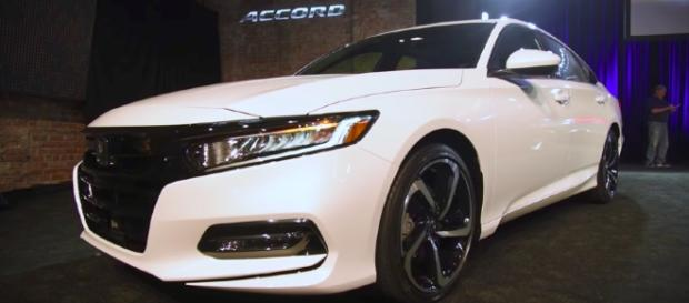2018 Honda Accord First Look AutoGuide.com/Youtube