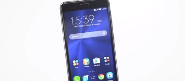 Asus Zenfone 4 series coming Zenfone 4 selfie and Zenfone 4 max Leaked. Image - Tech Infinity - Youtube
