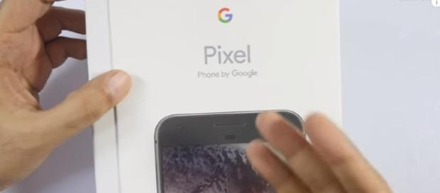 Google Pixel XL Smartphone (Indian Unit) Image - Geekyranjit - YouTube