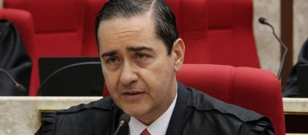 Presidente do TRF4, desembargador Carlos Eduardo Thompson, se manifestou sobre julgamento de Lula em segunda instância