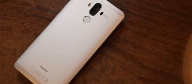 The Mate 9 is Huawei's latest behemoth flagship and it's coming to ... - theverge.com