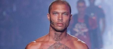 Jeremy Meeks está fazendo sucesso como modelo