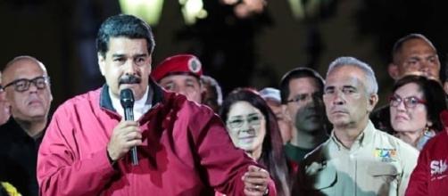 El presidente de Venezuela, Nicolás Maduro, junto a su esposa Cilia Flores y otros dirigentes del chavismo