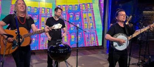 For the Violent Femmes, the barbecue grill adds a whole new sonic dimension on Saturday Sessions. Screencap CBS This Morning/YouTube