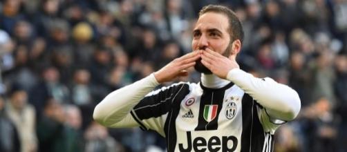 Rassegna stampa: No a 100 milioni per Higuain, Bonucci chiama ... - ilbianconero.com