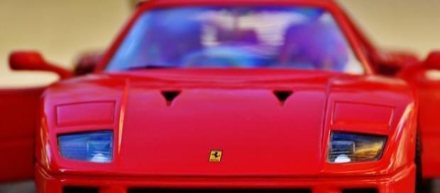Curiosità: perchè il simbolo della Ferrari è un cavallo rampante?