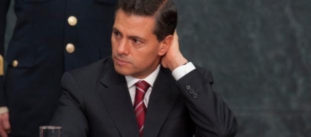 Mexicanos reprueban a Peña; empleo y combate a la pobreza, los ... - animalpolitico.com