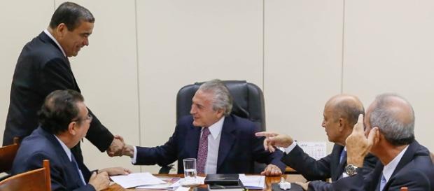 Planalto abriu os cofres para evitar investigação