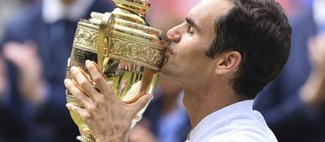 Roger Federer gana la copa de Wimbledon sin ningún grado de dificultad