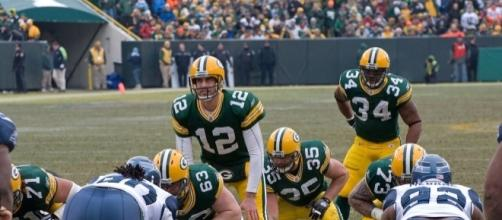 File:Aaron Rodgers (12), Korey Hall (35) and Ahman Green (34).jpg ... - wikimedia.org
