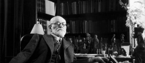 Frases de Sigmund Freud para ahorrarse dolor y disfrutar el placer ... - culturacolectiva.com