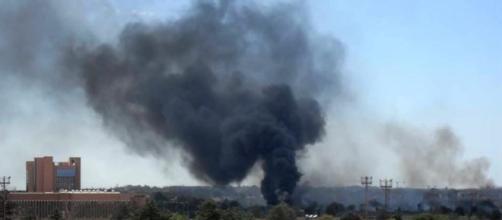 Parco di Centocelle in fiamme a causa dell'incendio