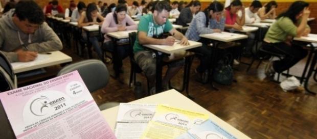 Escola Sem Partido quer remover critério de respeito aos Direitos Humanos da redação do ENEM.