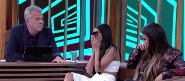 As moças se emocionaram ao falar sobre a morte do pai ( Foto - Rede Globo )