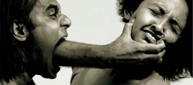 Violência contra mulher: 10 tipos de agressões que não são físicas (Foto: Reprodução)