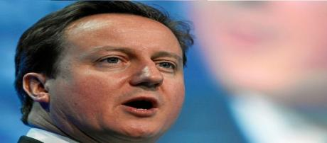 David Cameron receives unanimous support from CF members.