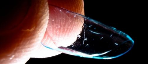 27 contact lenses were removed from a 67-year-old woman's eye/Photo via n41, Flickr