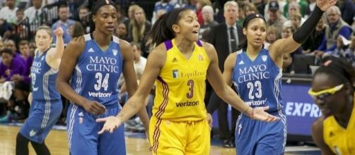 Candace Parker and the L.A. Sparks host the Indiana Fever on Monday night. [Image via Wikimedia Commons]