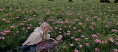 Emma saves Hook in 'Once Upon a Time' [Image via ABC Television YT channel]