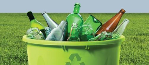 saber reciclar significa usar la basura como objetos útiles.
