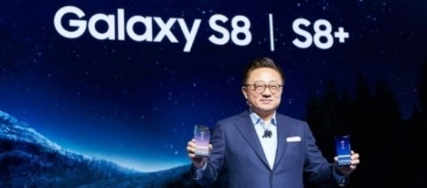DJ Koh, the president of Samsung Mobile, introduced the new Samsung Galaxy phones. [Image via SamsungMalaysia/Youtube Screenshot]