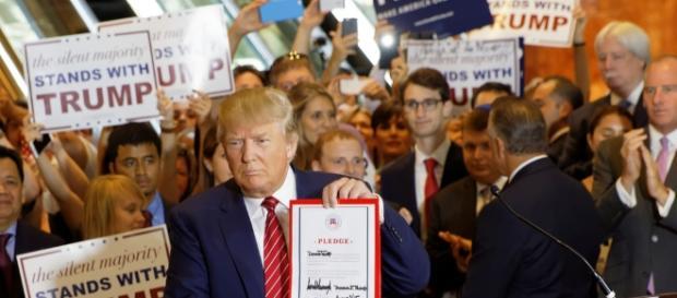 Donald Trump Signs The Pledge | Flickr - flickr.com