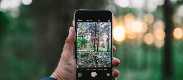 iPhone 8 could have fingerprint sensor on the power button / Photo via Ryan Morse, Flickr