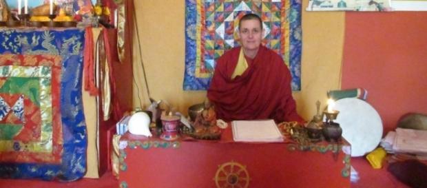 Monja Ani Sherab no Templo Sherab Ling; em São Caetano do Sul. ( Foto: Reprodução)