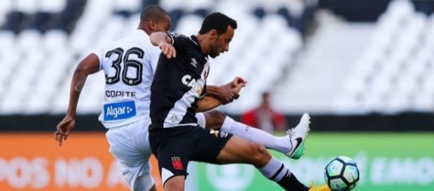 Nenê jogou contra o Santos no último domingo (Foto: Reprodução)