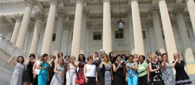 Right to bare arms: US Congresswomen protest against dress code ... - bbc.co.uk