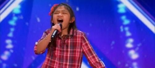 America's Got Talent 2017 Angelica Hale 9 Year Old Stuns Simon ... [Image source: Youtube Screen grab]