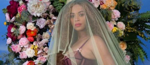 Mom recreates Beyonce's stunning floral look in a unique way.