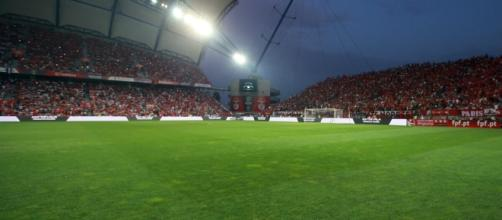 O Benfica e o Betis de Sevilha defrontam-se no Estádio Algarve