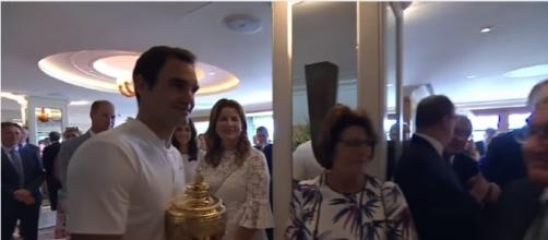 Roger Federer congratulated by family, fans and royalty after Wimbledon 2017 win Image - Wimbledon - YouTube