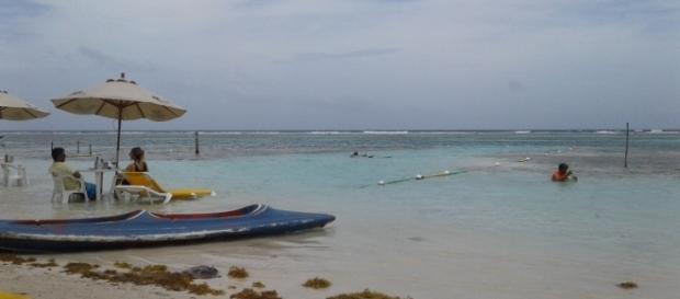Hermosa vista de la playa en Mahahual.