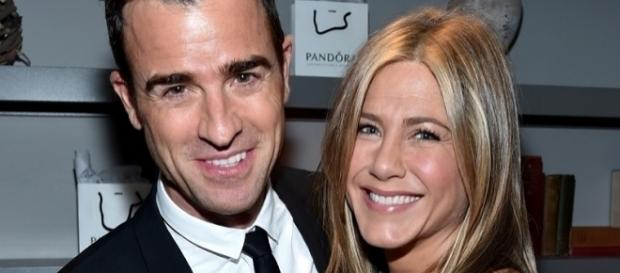 Justin Theroux com a esposa Jennifer Aniston (Foto: Getty)