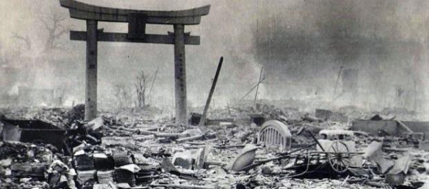 Recordando las víctimas de Hiroshima y Nagasaki - dailymail.co.uk