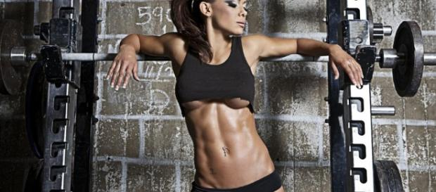 The Ultimate Beginners Female Fitness Guide: Build A Fit Female Body! - trimmedandtoned.com