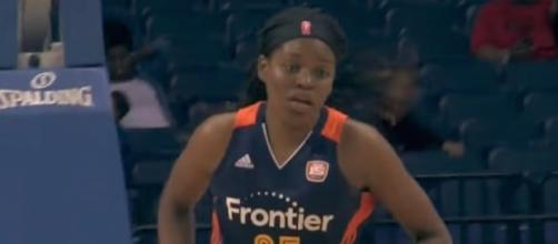 Jonquel Jones put up 29 points and grabbed 15 rebounds to help lead the Sun past the Fever on Saturday. [Image via WNBA/YouTube]