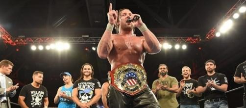 Kenny Omega es la estrella mundial de la lucha libre del momento. njpw.co.jp.