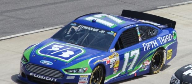 Ricky Stenhouse Jr in his car (Photo cred: Nascar1996, Wikimedia Commons)