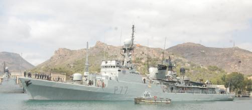 """El P-77 """"Infanta Cristina"""" en misión anti piratas"""