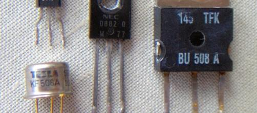 Electronic component image credit /wikipedia/commons/6/64/Electronic_component_transistors.jpg
